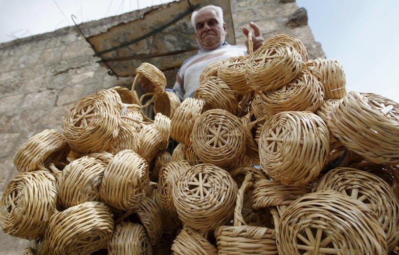 basket-weaving-Lebanon-Traveler