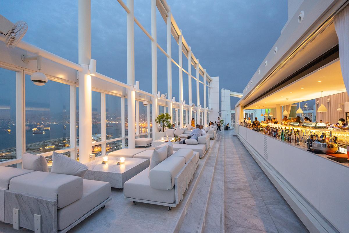 17-sexiest-sunset-spots-4-seasons-hotel-lebanon-traveler