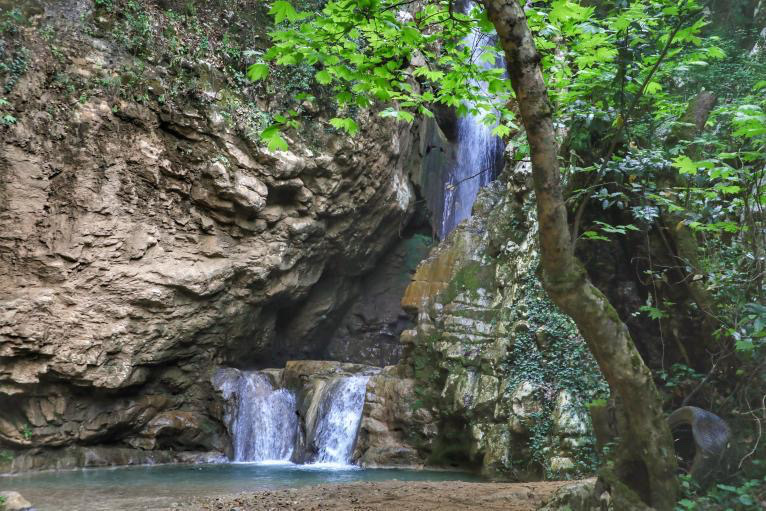 yahchouch-nature-lebanon-traveler